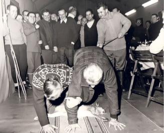 Ceausescu batea ambasadorii straini la fund