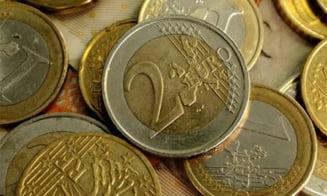 Cehia poate adopta euro cel mai devreme in 2015