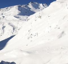 Cei 13.000 de turisti blocati in Alpi vor trebui sa plateasca pentru evacuarea cu elicopterul sau raman ingropati in nameti