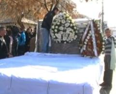 Cei doi romani ucisi in atacul terorist din Algeria au fost inmormantati