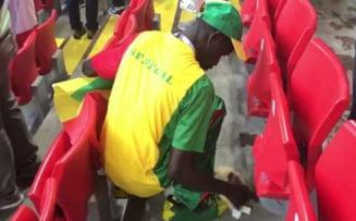 Cel mai frumos moment de la Cupa Mondiala 2018: Fanii senegalezi au facut curat in tribune dupa victoria cu Polonia (Video)