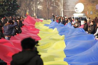 Cel mai lung steag tricolor romanesc din istorie, la Chisinau