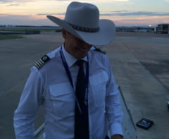 """Cel mai lung zbor fara escala din istoria Tarom. Pilotul, felicitat de Ambasada SUA in Romania: """"O experienta extraordinara pentru mine si echipajul meu!"""""""