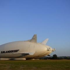 Cel mai mare aparat de zbor din lume a fost avariat. A cazut in bot (Video)