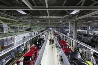 Cel mai mare producator auto a sistat intreaga productie de masini in India