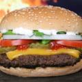 Cel mai scump burger din Romania: costa 1.000 de euro. Ce ingrediente contine