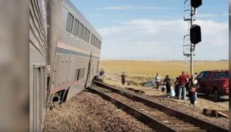 Cel puţin trei persoane au murit şi mai mulţi pasageri au fost răniţi după ce un tren a deraiat în SUA