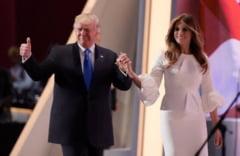 Cele mai amuzante momente petrecute in public intre Donald Trump si Melania (Video)