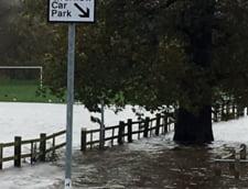 Cele mai grave inundatii din ultimele decenii, in Anglia: Seful de la Mediu a plecat in Caraibe