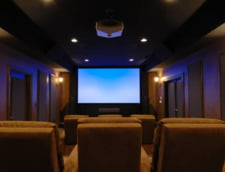 Cele mai populare sisteme Home Cinema pentru Revelionul petrecut acasa