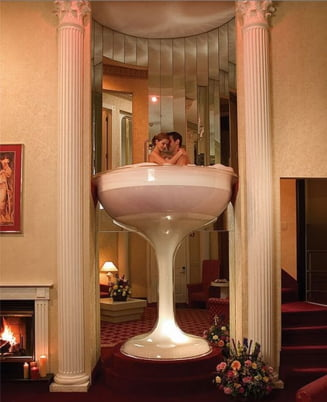 Cele mai tari hoteluri - cuibusoare de nebunii (Galerie Foto)