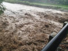 Centrul Infotrafic: Breteaua de iesire de pe A1 la Orastie, blocata din cauza apei. Traficul este deviat pe DN 7