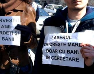 Cercetatorii de la Magurele fac acuzatii grave si anunta proteste: Fonduri fraudate si taiate nejustificat