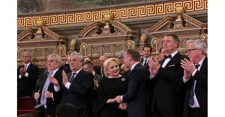 Ceremonia de preluare a presedintiei UE: Liderii europeni au vorbit pe scena despre statul de drept, in fata Ateneului s-au scandat mesaje anticoruptie