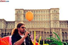 Cernea: Ma consider homosexual, femeie, rrom si maghiar