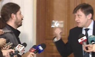 Cernea ii cere lui Antonescu retragerea lui Stroe de la alegerile din Colegiul 1 (Video)
