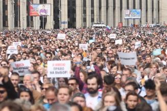 Cetateni rusi, condamnati la ani de inchisoare, pentru agresarea fortelor de ordine la proteste