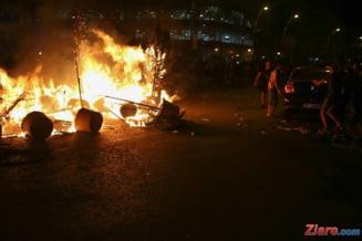 Cetatenii, pe cont propriu. Reactia incredibila a celor de la 112 cand sunt sunati ca e incendiu la Victoriei (Audio)