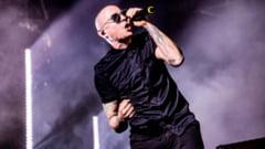 Chester Bennington, solistul trupei Linkin Park, i-a scris o scrisoare emotionanta rockerului Chris Cornell dupa moartea acestuia