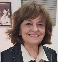 Chiar daca nu mai sunt comunistii, Reteaua Securitatii inca domina tara, dar e o retea mafiota - Interviu cu Ana Blandiana (I)