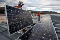 China a conectat la retea cea mai mare centrala fotovoltaica plutitoare din lume