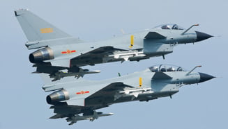 China si SUA au relatii tot mai tensionate in Taiwan. Spatiul aerian al tarii asiatice, invadat de avioanele celor doua superputeri