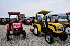 Chinezii de la Hoyo ne tot promit tractorul de 6.500 de euro produs la Rasnov