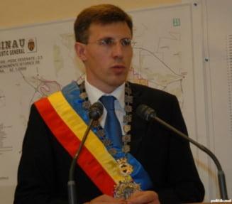 Chirtoaca la Alba Iulia, de 1 Decembrie: Reintregirea neamului, obiectivul secolului 21. Sangele apa nu se face