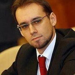 Chiuariu cere eliminarea avizelor in cazul ministrilor-parlamentari