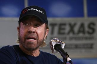 Chuck Norris, nevoit sa dezminta ca ar fi luat parte la asaltul asupra Capitoliului, dupa ce a aparut o fotografie incriminatorie