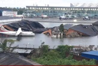 Ciclonul Amphan, cel mai puternic din ultimul deceniu, a facut peste 100 de morti si pagube de miliarde de dolari in India si Bangladesh