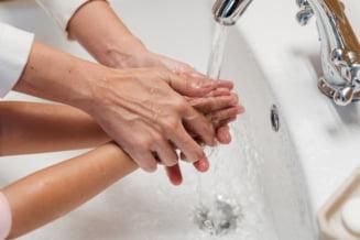 Cifrele subdezvoltarii Romaniei: Peste un sfert dintre scolile romanesti nu au putut asigura elevilor acces la apa si sapun in 2019