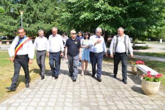 Cinci ambasadori ai unor tari din Asia au vizitat Castelul Corvinilor