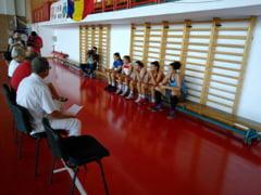 Cinci jucatoare la reunirea lotului de baschet