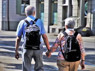 Cinci milioane de pensionari vor avea mai multi bani din aceasta luna. Cresterea cu 14% a punctului de pensie a intrat in vigoare