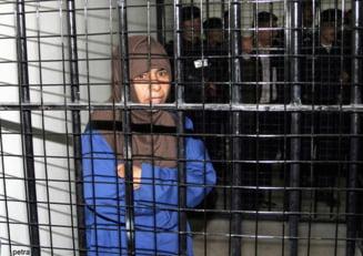 Cinci moduri infioratoare prin care Statul Islamic le terorizeaza pe femei