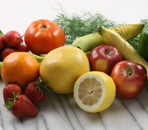 Cinci portii de legume si fructe zilnic nu te scapa de cancer