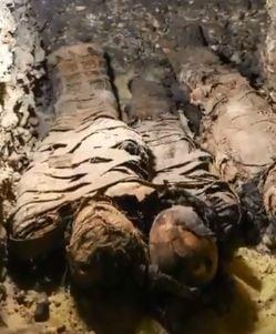 Cincizeci de mumii au fost descoperite intr-un mormant faraonic din Egipt (Foto)