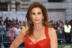 Cindy Crawford, pictorial super -sexy la 55 de ani FOTO