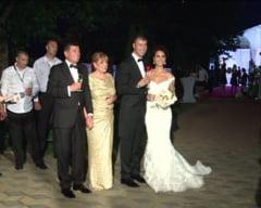 Cine a avut cea mai frumoasa nunta in 2013 - sondaj