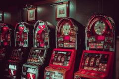 Cine a inventat pacanelele? Istoria si evolutia acestor jocuri de noroc