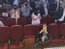 """Cine a realizat poza cu Ludovic Orban ramas singur pe un rand de scaune la conferinta de alegeri a PNL Cluj: """"Nu a existat vreo regie sau vreun plan malefic"""""""