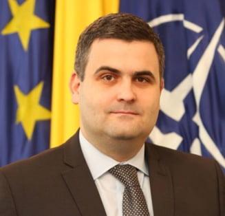 Cine e Gabriel Les, economistul care va conduce a doua oara Ministerul Apararii, dupa demisia lui Mihai Fifor