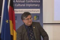Cine e Mircea Dumitru, propus de Ciolos sa-l inlocuiasca pe Adrian Curaj la Ministerul Educatiei
