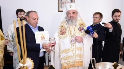 """Cine este Lazăr Neacșu, fostul consilier PSD """"infiltrat"""" în politică din partea Bisericii. Deține peste 11 terenuri, ține banii la saltea și conduce un Oltcit din 1985"""