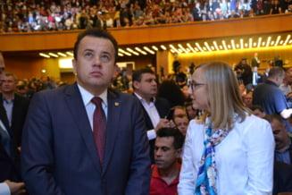 """Cine este Liviu Pop, noul ministru al Educatiei, cel care l-a """"albit"""" pe Ponta de plagiat"""