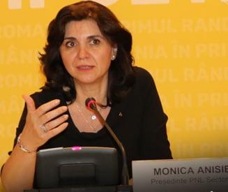 Cine este Monica Anisie, propusa la Ministerul Educatiei - profesoara la un liceu de top din Bucuresti