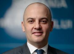"""Cine este bancherul care a renuntat la o cariera in Bucuresti pentru a fi city manager al Timisoarei: """"Sunt un copil al comunismului"""""""