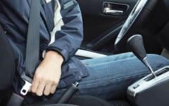 Cine este exceptat de la obligatia de a purta centura de siguranta in timpul deplasarii cu masina