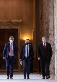 """Cine este ministrul chemat in parlament la """"Ora Guvernului"""". Invitatia apartine deputatilor AUR"""
